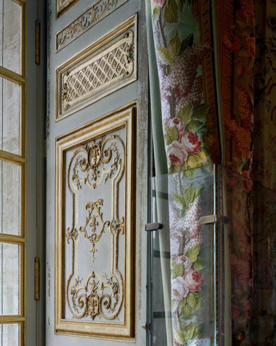Boiserie and curtains, chambre de la Reine, Corps Central - 1er étage.